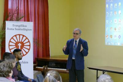 2017.10.27-29. Roma Szakkollégium nyilvános programjai a Kistemplomban...
